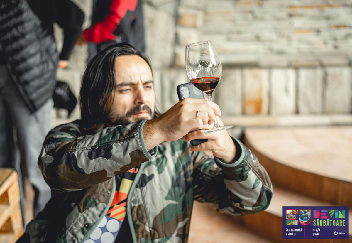 Interview with Misha Țurcanu, the author of the blog Wine like a Local